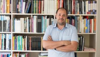 """""""A la deriva"""", columna de opinión del profesor Juan Pablo Luna en Ciper/Académico"""
